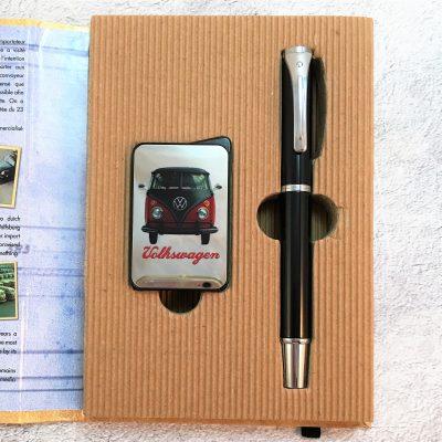 Geschenkset-Feuerzeug-Kugelschreiber-rot-schwarz-Detail-13