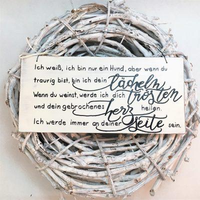 Holzschild-Hund-Seite-deutsch-Detail-2