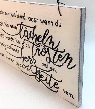 Holzschild-Hund-Seite-deutsch-Detail-4