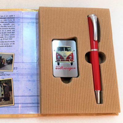Geschenkset-Feuerzeug-Kugelschreiber-rot-beige-Detail-13