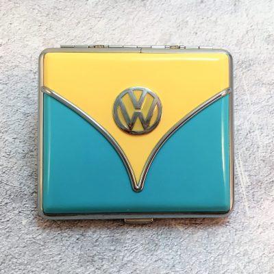 Geschenkset-Feuerzeug-Zigarettenetui-hellblau-beige-Detail-3