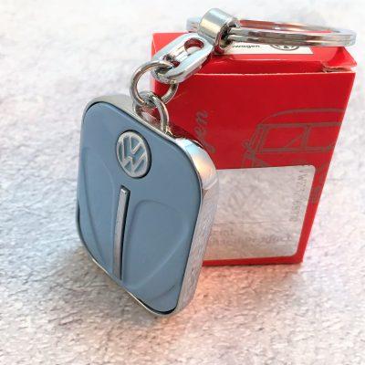 VW-Schlüsselanhänger-Käfer-taubenblau-Detail-3