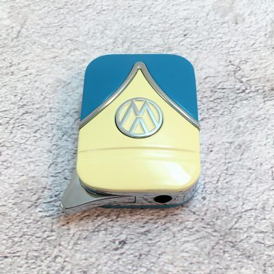 VW-Feuerzeug-Samba-blau-beige-Detail-4
