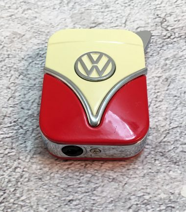 VW-Feuerzeug-Samba-rot-beige-Detail-3