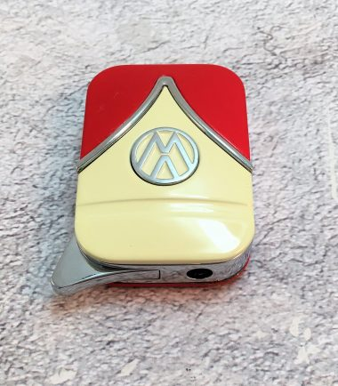 VW-Feuerzeug-Samba-rot-beige-Detail-4