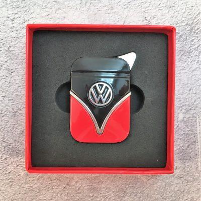 VW-Feuerzeug-Samba-rot-schwarz-Detail-1