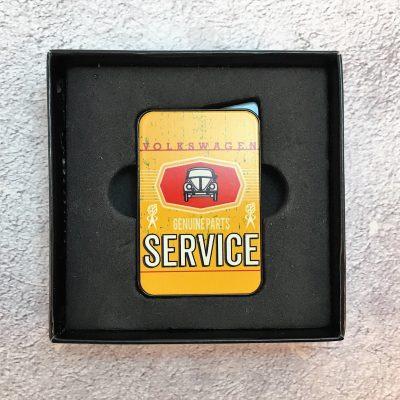 VW-Feuerzeug-Service-Käfer-gelb-Detail-9