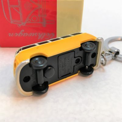 VW-Schlüsselanhänger-Bulli-gelb-Detail-5