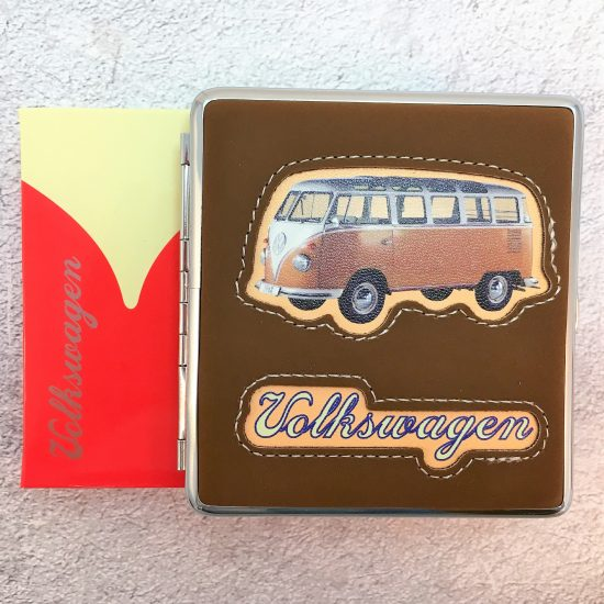 VW-Zigarettenetui-Bus-Kunstleder-braun-Detail-5
