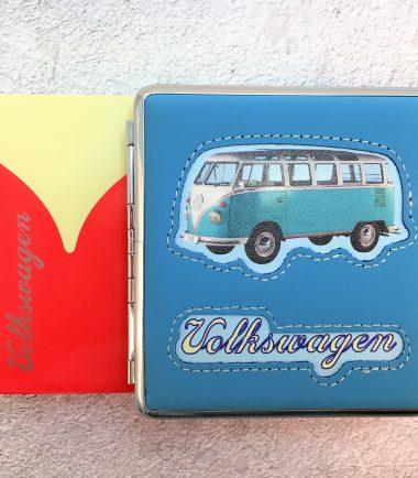 VW-Zigarettenetui-Bus-Kunstleder-hellblau-Detail-5