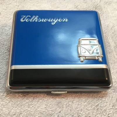 VW-Zigarettenetui-Bus-Metall-blau-schwarz-Detail-8