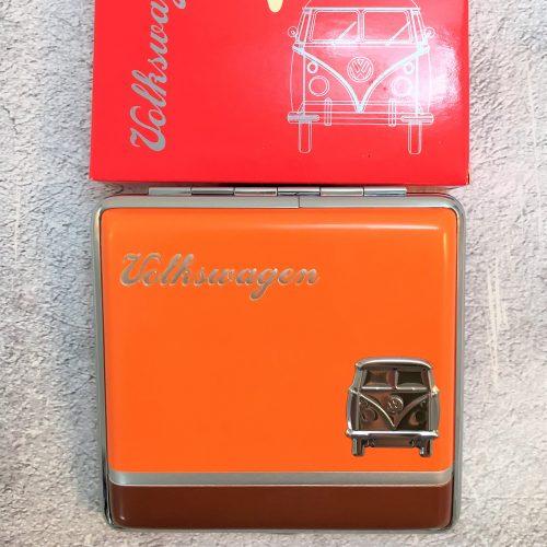VW-Zigarettenetui-Bus-Metall-orange-braun-Detail-9