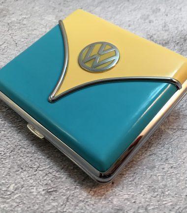 VW-Zigarettenetui-Samba-hellblau-beige-Detail-7