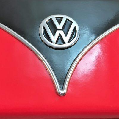 VW-Zigarettenetui-Samba-rot-schwarz-Detail-8